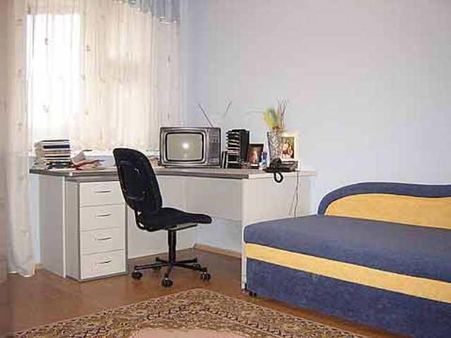 bedroom office 8