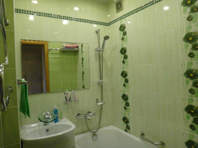 green bathroom 11