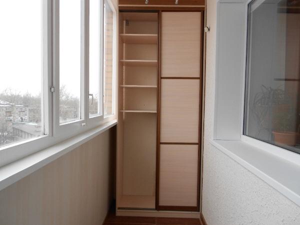 shkaf-za-balkon 3d