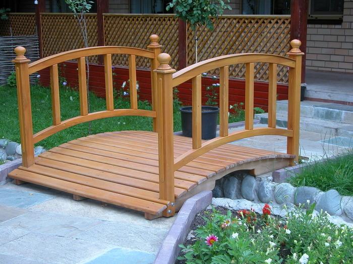 dekorativen most gradina 11