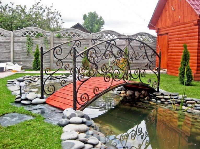 dekorativen most gradina 13