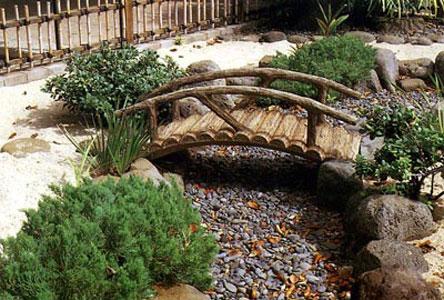 dekorativen most gradina 17