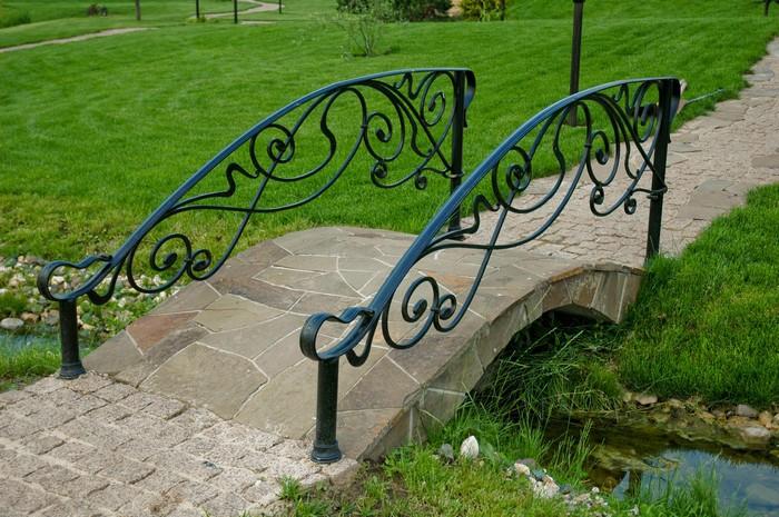 dekorativen most gradina 3