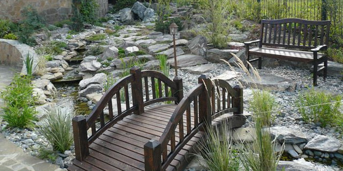 dekorativen most gradina 7