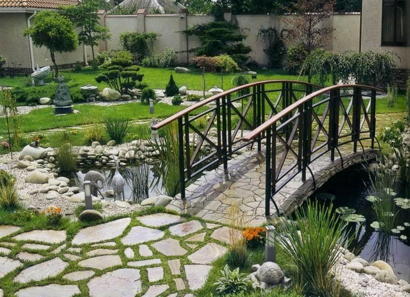dekorativen most gradina