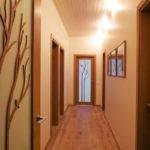Как да оформим дизайна на тесен коридор?