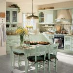 """Кухня в цвят """"мента"""" – изящество и прохлада в разгара на лятото"""