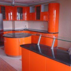 Овална кухня: Модерна и толкова удобна