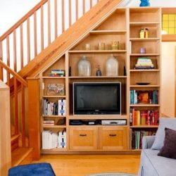 Идеи за шкаф под стълбите
