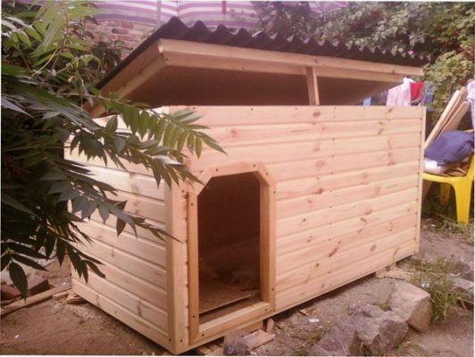 Кучешка къщичка с еднокрилен покрив