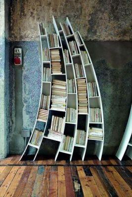 Модерна библиотека в хола – шкаф за книги или артистични рафтове