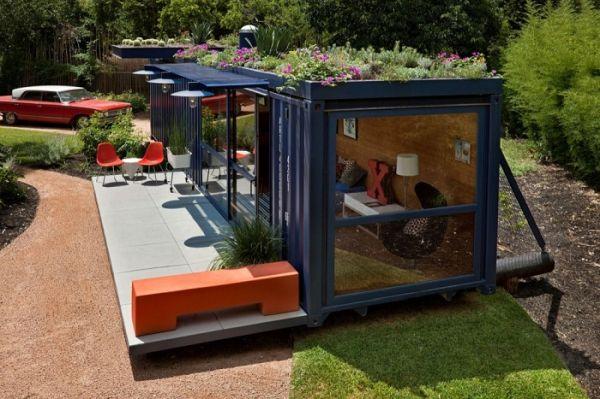 Къща от контейнери - творчески проект на архитектурна фирма Poteet Architects.