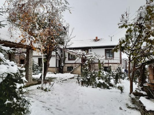 Красива къща в Басарбово