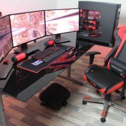 Геймърски стол и бюро за компютърни игри