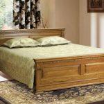 Голяма спалня от масив: Какво избираме, когато избираме разкош за очите и тялото